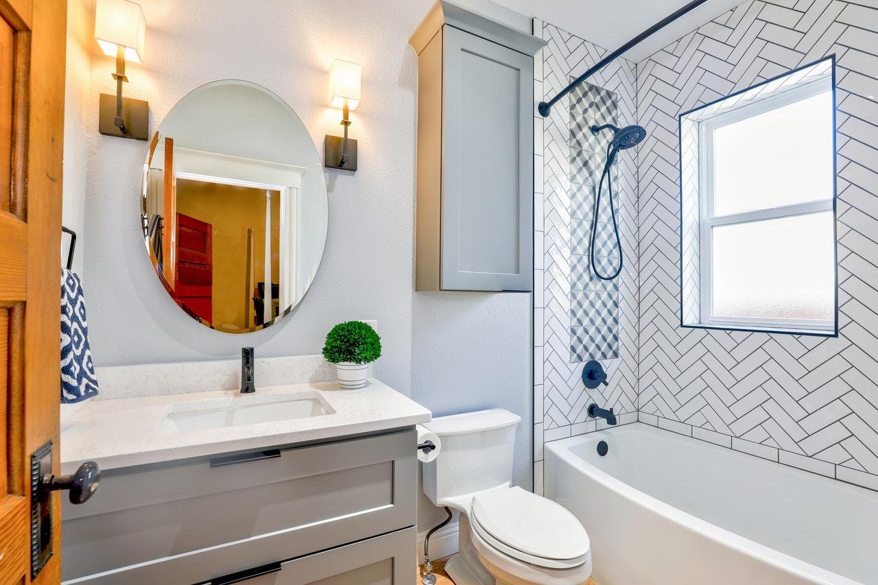 dozownik mydła i podajnik papieru przydadzą się w każdej łazience