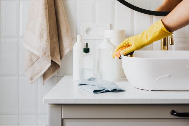 podajnik papieru przyda się w również w domowej łazience